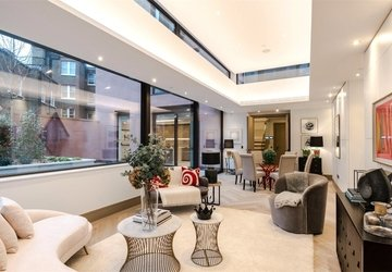 Duplex for sale in Chiltern Street view1