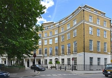 Apartment sold subject to contract in Great Cumberland Place view1