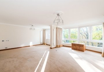 Apartment sold in Hyde Park Crescent view1