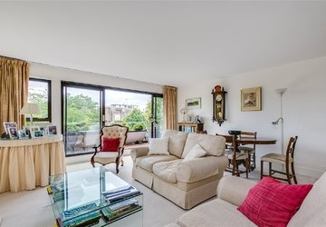 Penthouse for sale in Kendal Steps view1