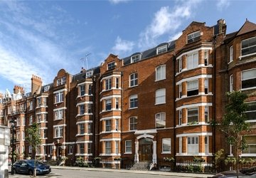 Apartment for sale in Luxborough Street view1