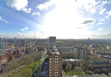 Apartment sold subject to contract in Quadrangle Tower view1
