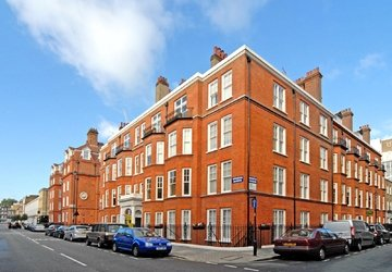 Apartment sold subject to contract in York Street view1
