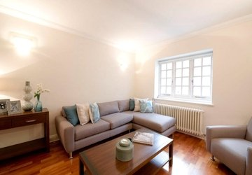 Apartment to rent in Duchess Mews view1