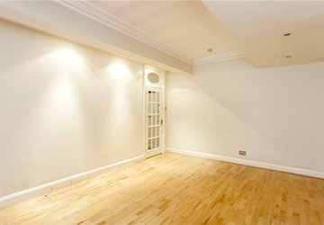 Apartment to rent in Hallam Street view1