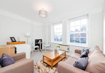 Studio Flat to rent in St. Vincent Street view1