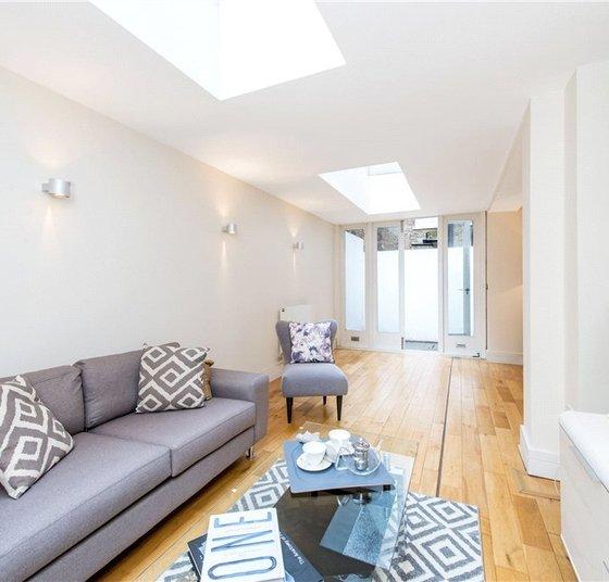 Properties to rent in Ossington Buildings view1