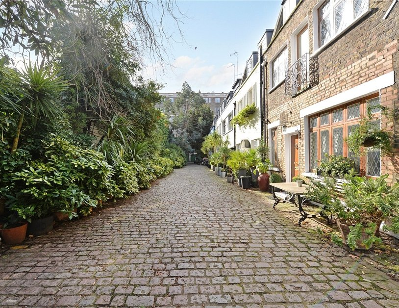 House for sale in Albion Mews view2. 2 bedroom House for sale in Albion Mews  Hyde Park  London  W2