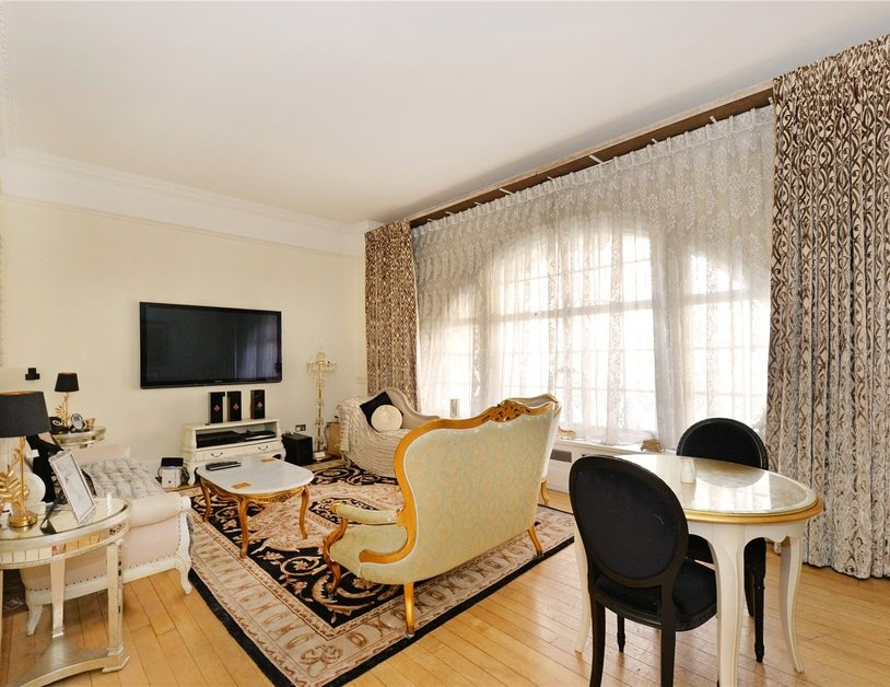 Apartment for sale in Baker Street view4