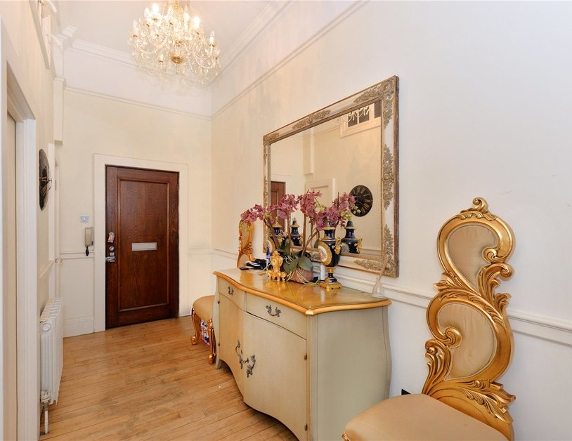 Apartment for sale in Baker Street view6