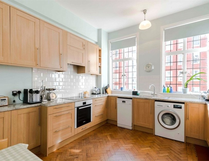 Apartment for sale in Baker Street view10