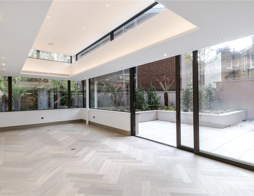 Duplex for sale in Chiltern Street view6