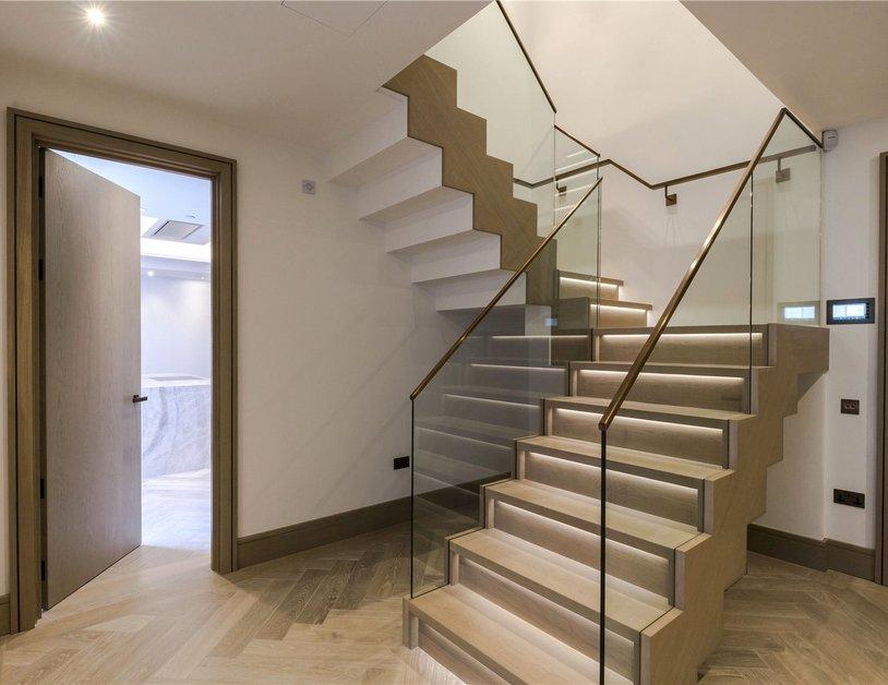 Duplex for sale in Chiltern Street view4