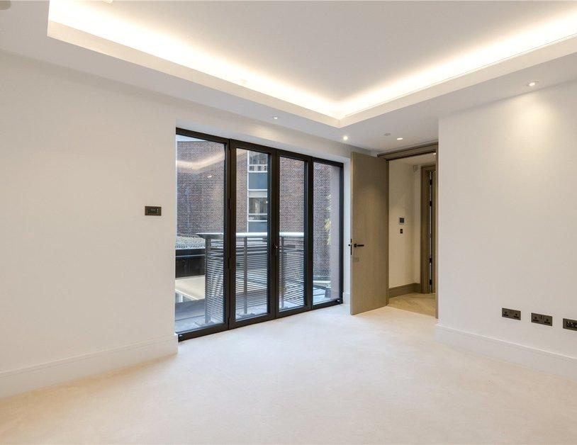 Duplex for sale in Chiltern Street view8