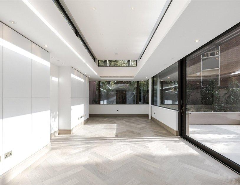 Duplex for sale in Chiltern Street view7