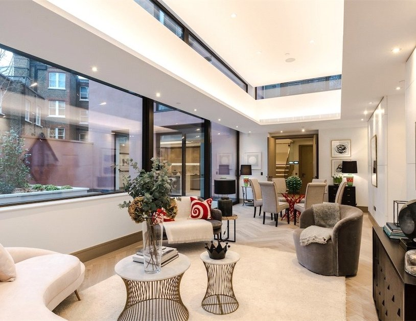 Duplex for sale in Chiltern Street view2-thumb
