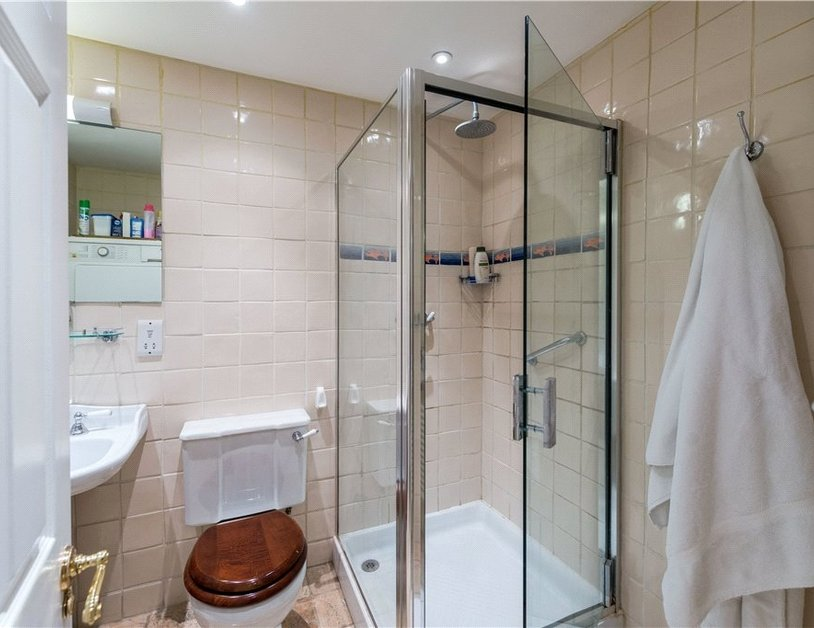 Maisonette sold in Cleveland Square view10