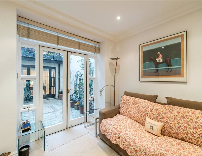 Maisonette sold in Cleveland Square view7