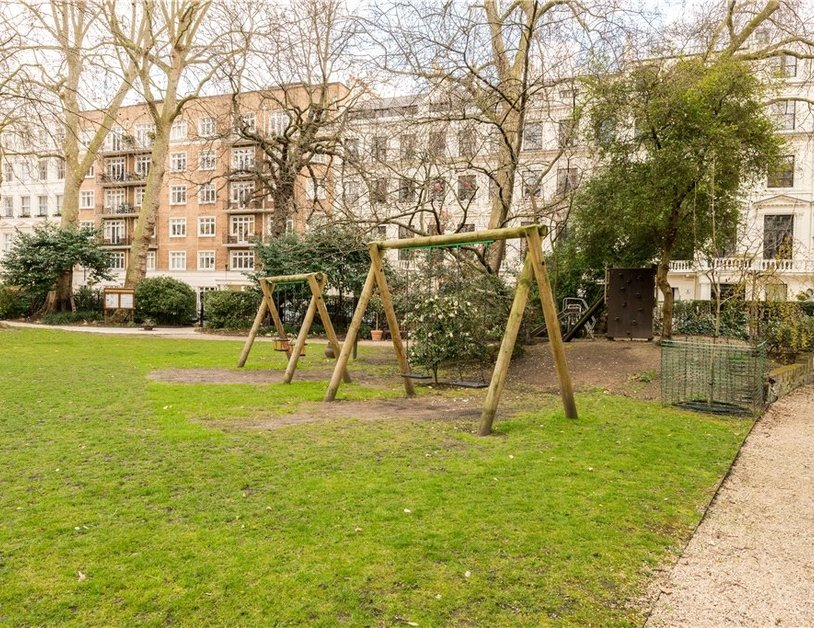 Maisonette sold in Cleveland Square view15