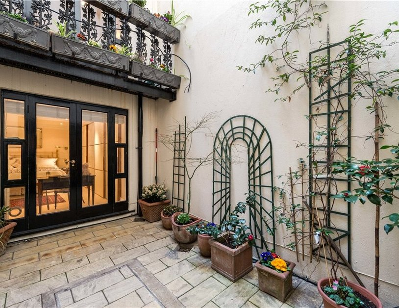 Maisonette sold in Cleveland Square view13