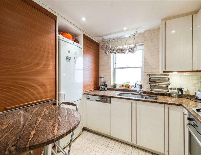 Maisonette sold in Cleveland Square view12