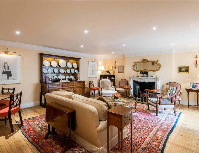 Maisonette sold in Cleveland Square view11