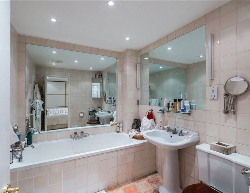 Maisonette sold in Cleveland Square view8