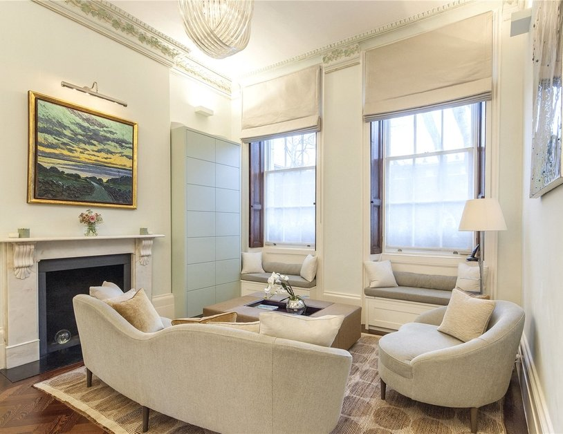 House for sale in Connaught Square view4