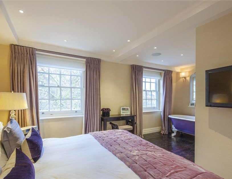 House for sale in Connaught Square view13