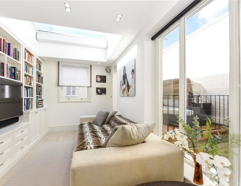 House for sale in Connaught Square view7