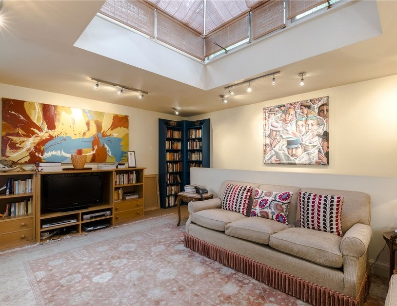 House for sale in Connaught Square view9