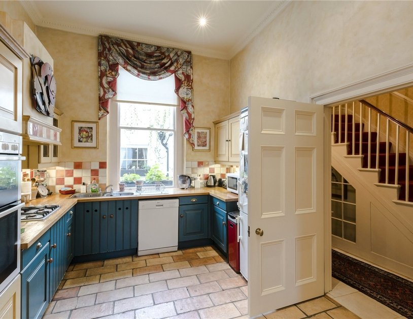 House for sale in Connaught Square view5