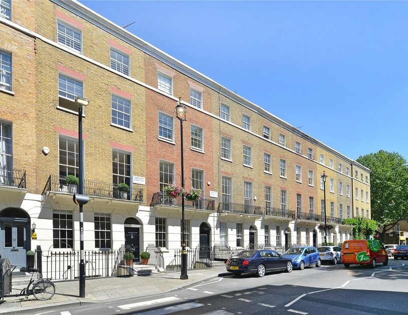House for sale in Connaught Street view2