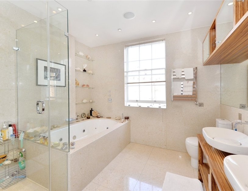 House for sale in Connaught Street view10