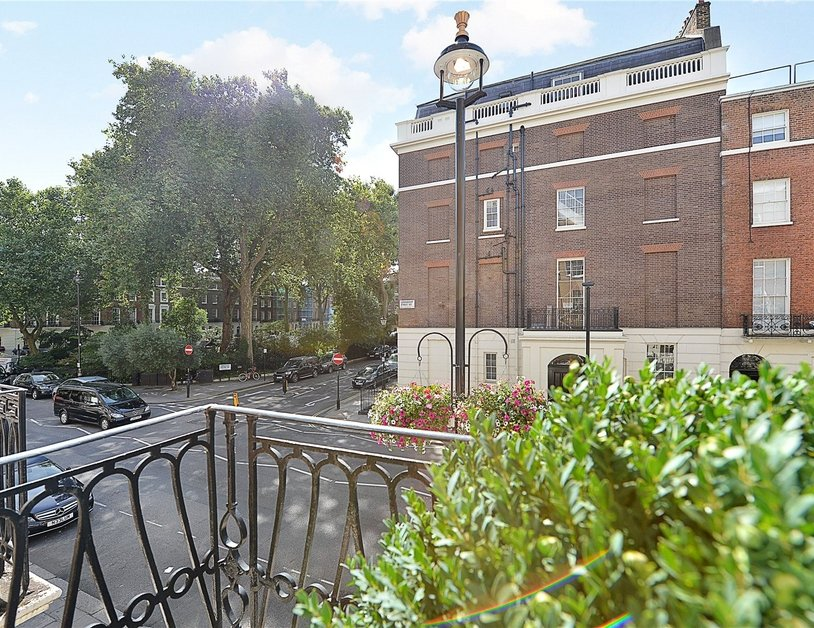 House for sale in Connaught Street view11