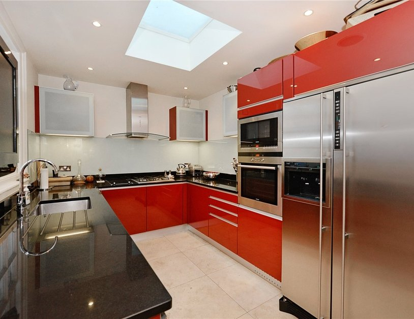 House for sale in Connaught Street view7