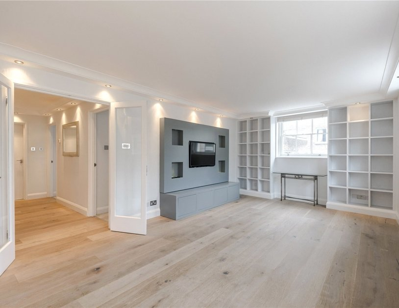 Apartment for sale in Connaught Street view3