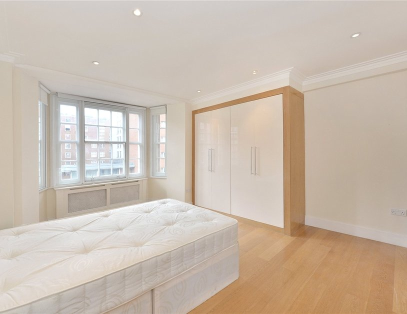 Apartment sold in Edgware Road view6