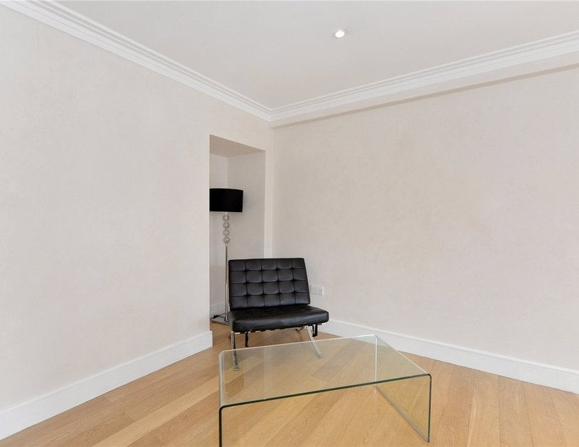 Apartment sold in Edgware Road view10