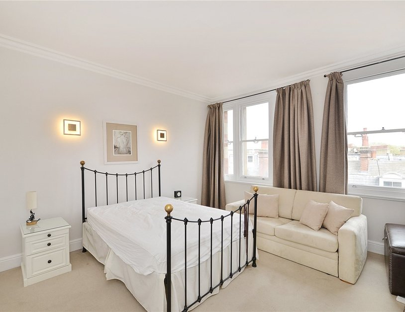 Apartment sold in Glentworth Street view3