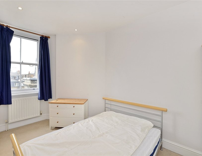 Apartment sold in Glentworth Street view9