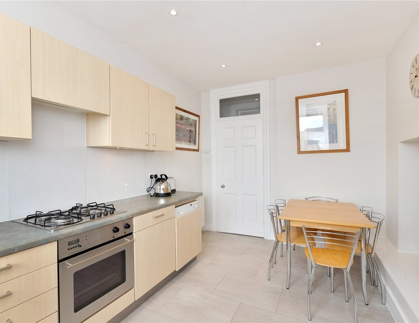 Apartment sold in Glentworth Street view5