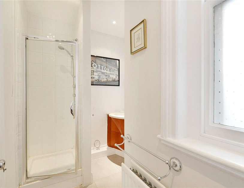 Apartment sold in Glentworth Street view15