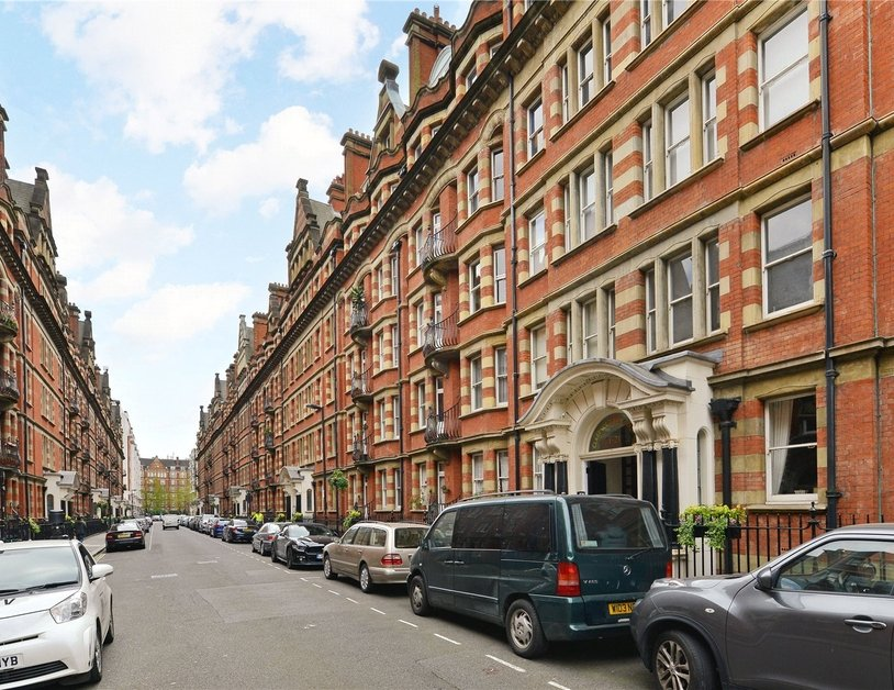 Apartment sold in Glentworth Street view2