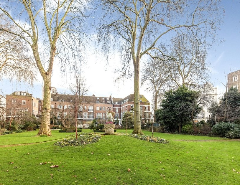 House for sale in Gloucester Square view7