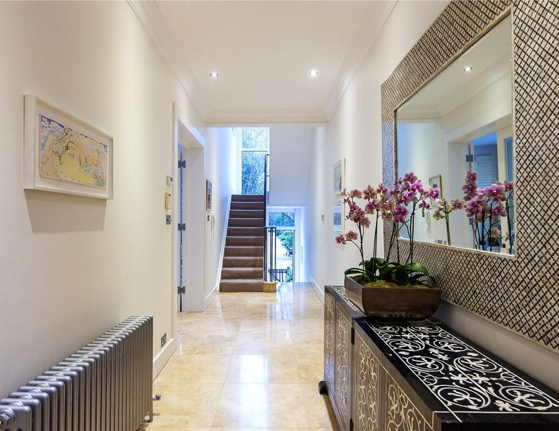 House for sale in Gloucester Square view9