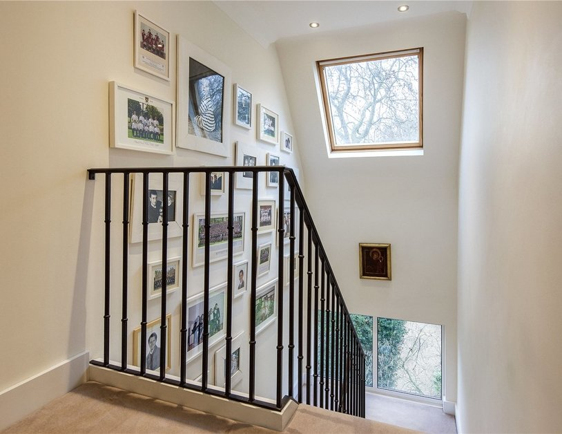 House for sale in Gloucester Square view12