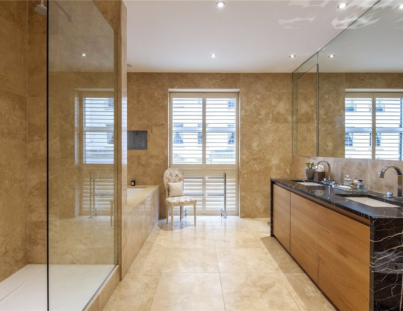 House for sale in Gloucester Square view4