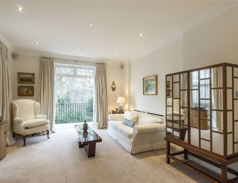 House for sale in Gloucester Square view13