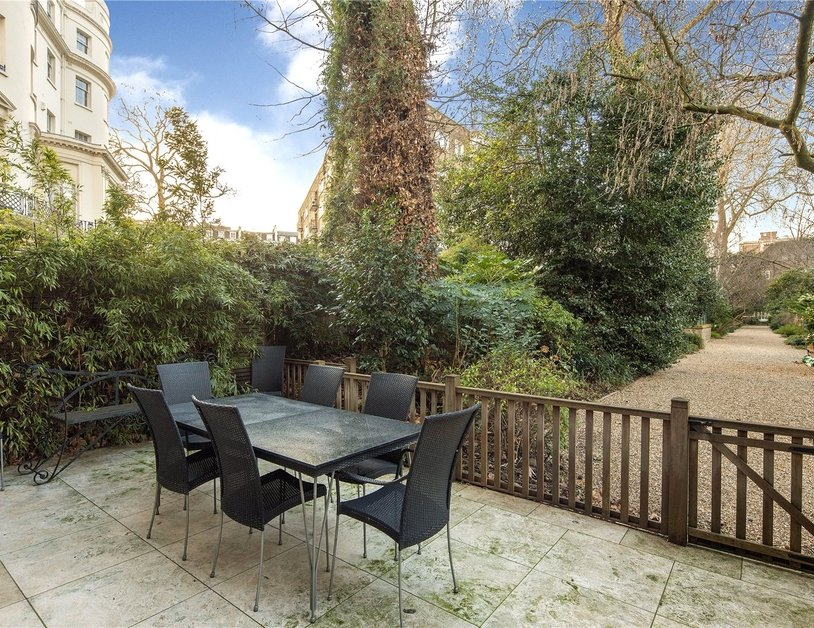 House for sale in Gloucester Square view5